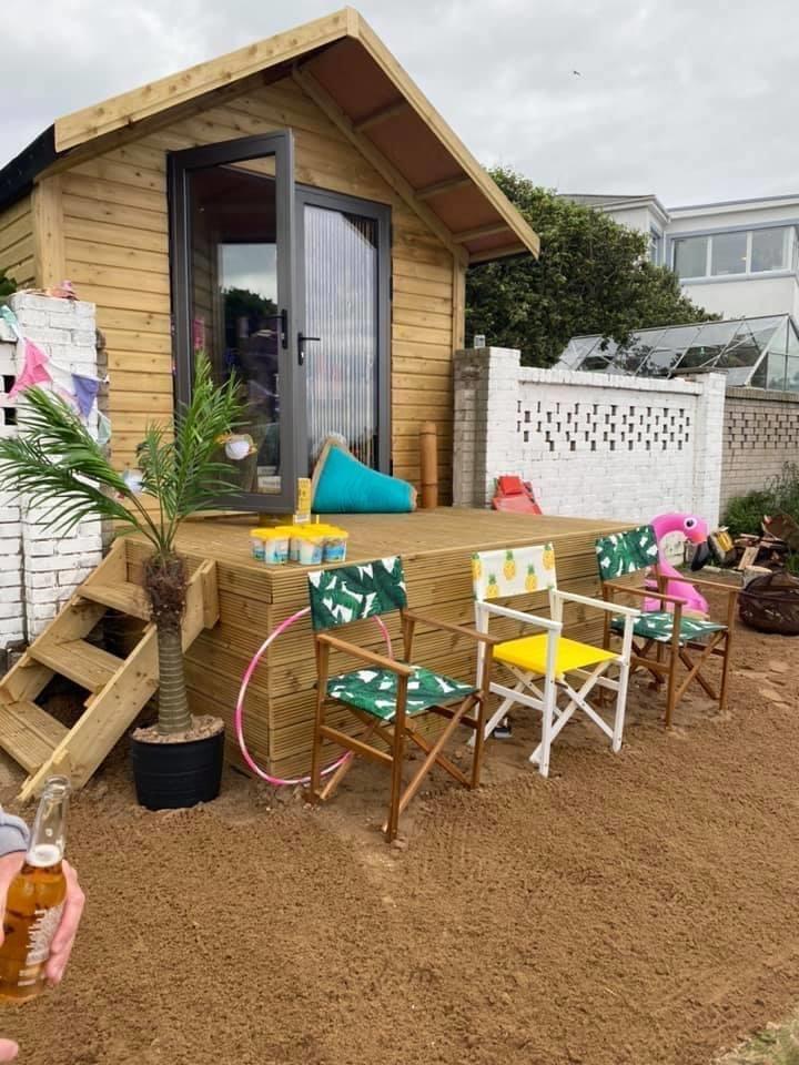 Garden shed double doors